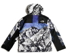 Load image into Gallery viewer, Supreme The North Face Mountain Jacket FW17
