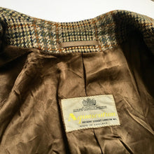 Load image into Gallery viewer, Vintage Aquascutum Pure Shetland Coat
