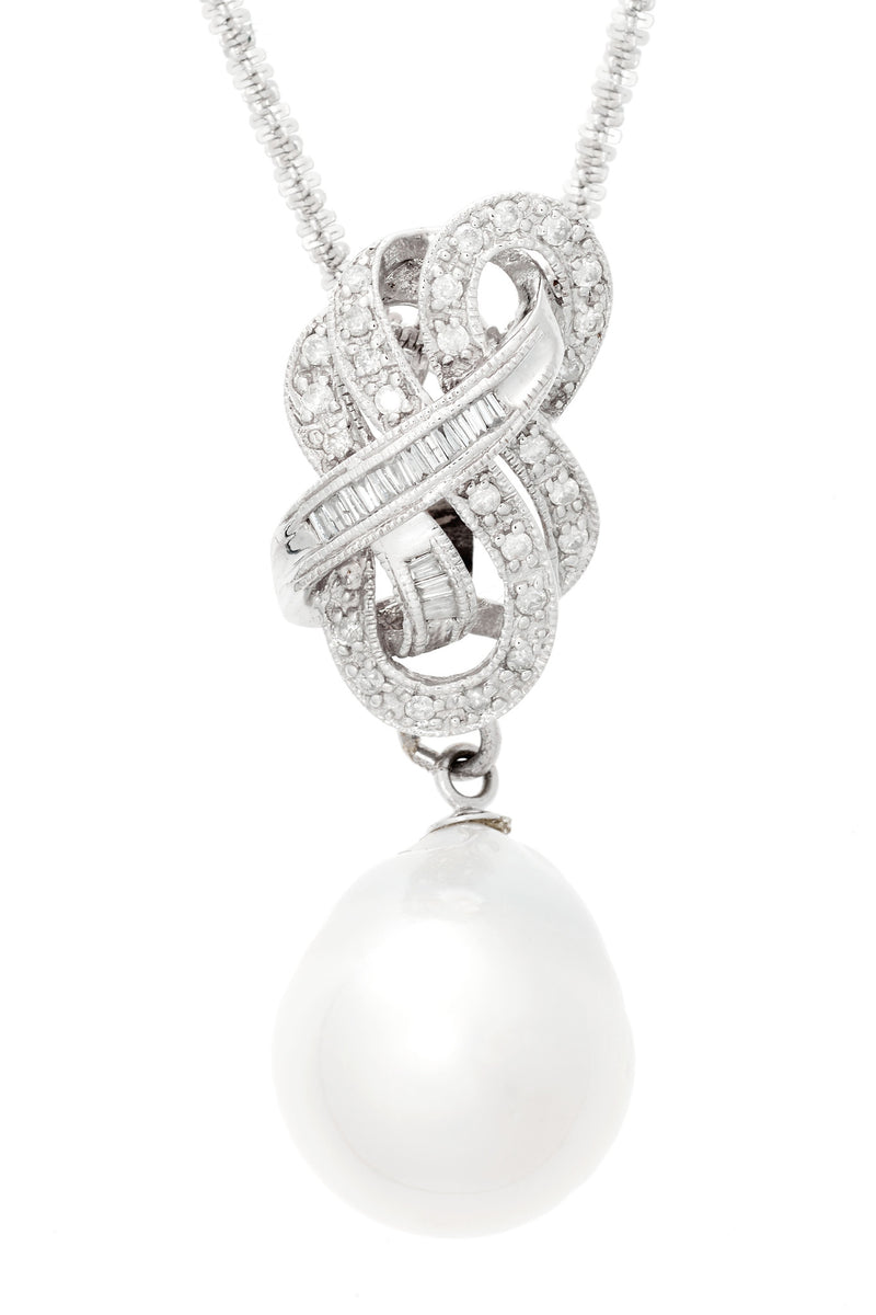 Pearl and Ribbon Diamond pendant