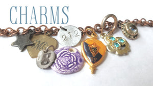 a variety of items that can be used as charms on a bracelet from kbeau