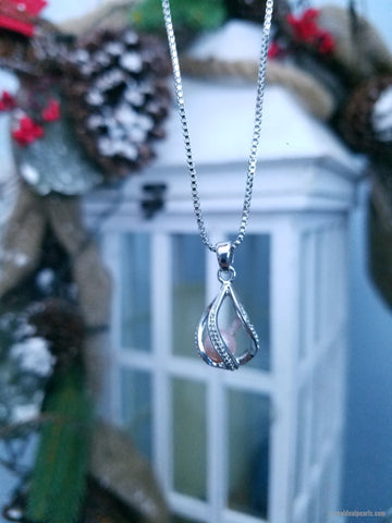 Sparkling Tear Drop Pendant Necklace | 1 Oyster Opening