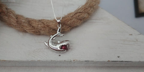 BRUCE Sterling Silver Shark Cage Necklace with Oyster Opening