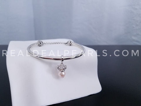 Innocence Bracelet with Cultured Akoya and Crown