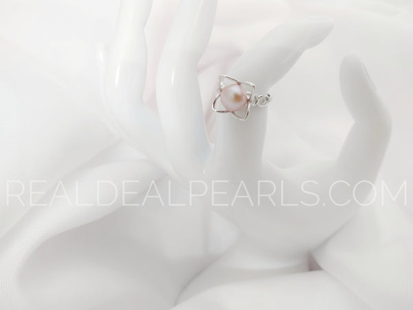 Sterling Silver Petals Ring Size 6 with Cultured Freshwater Button Pearl