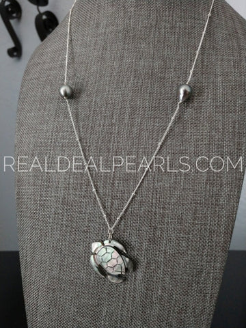 Shell Turtle and Cultured Tahitian Necklace