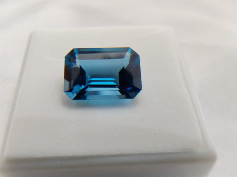 8CT London Blue Topaz