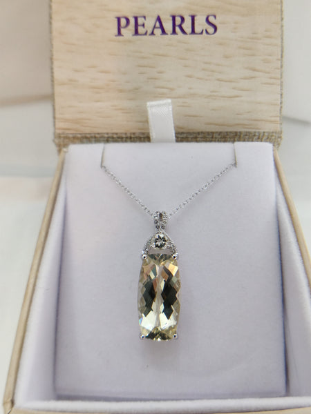 "18"" Yellow Labradorite Sterling Silver Pendant Necklace"