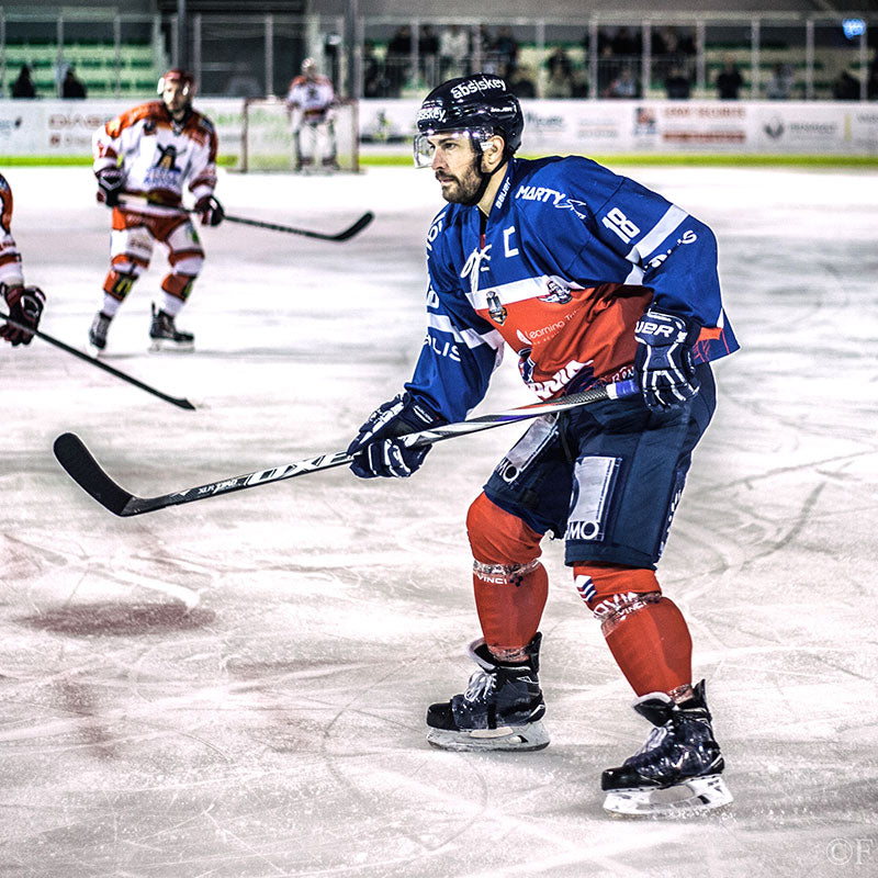 Julien Albert joue avec la crosse Hockey XLR PRO
