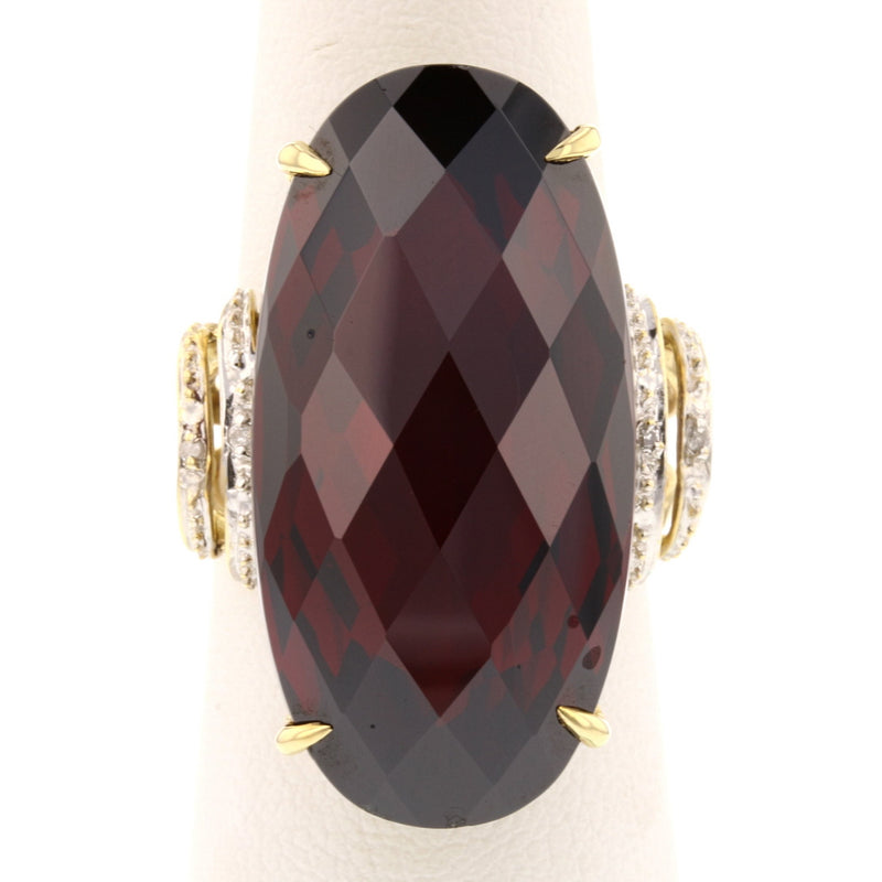 Mozambique Garnet Ring