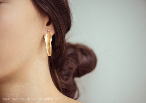 Leaves earrings in 18K yellow gold