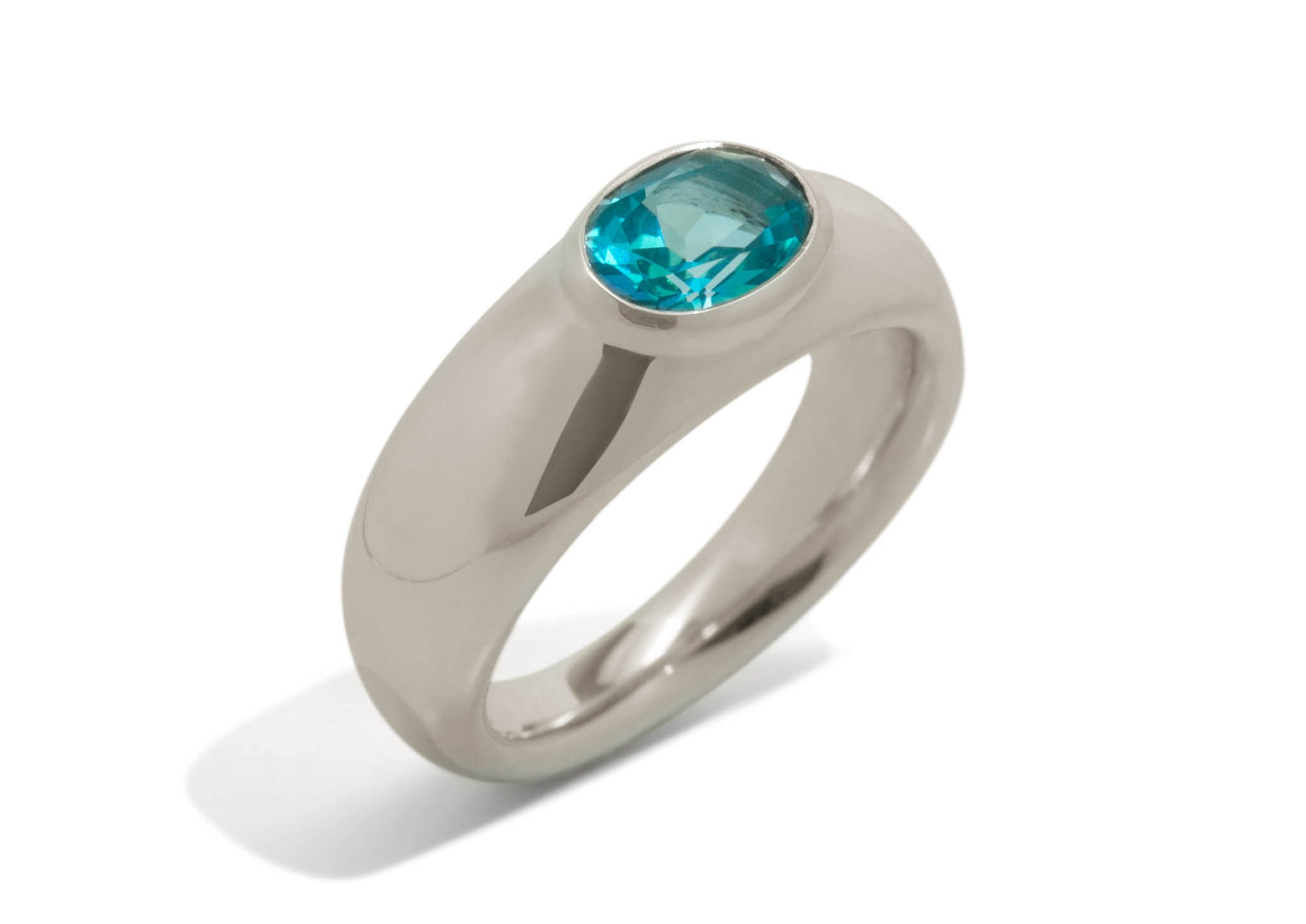 Splendid Gemstone Ring, White Gold & Platinum