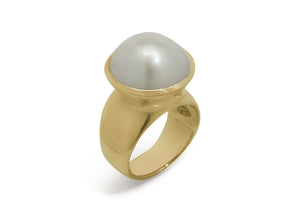 Luminescent Mabe Pearl Ring, Yellow Gold