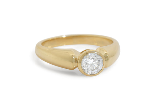 Timeless Diamond Ring, Yellow Gold