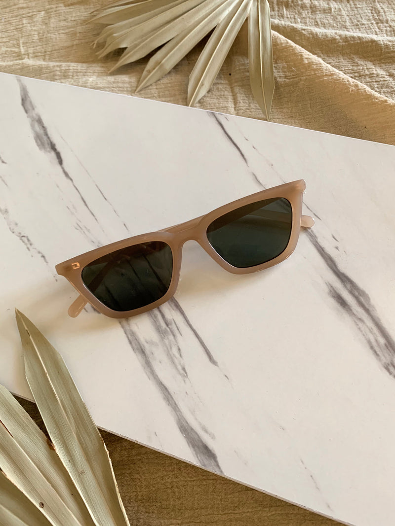 Cat Eye Sunnies (Tan)