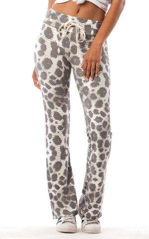 FLARE PANT IN BRUSHED OLIVE SKIN PRINT