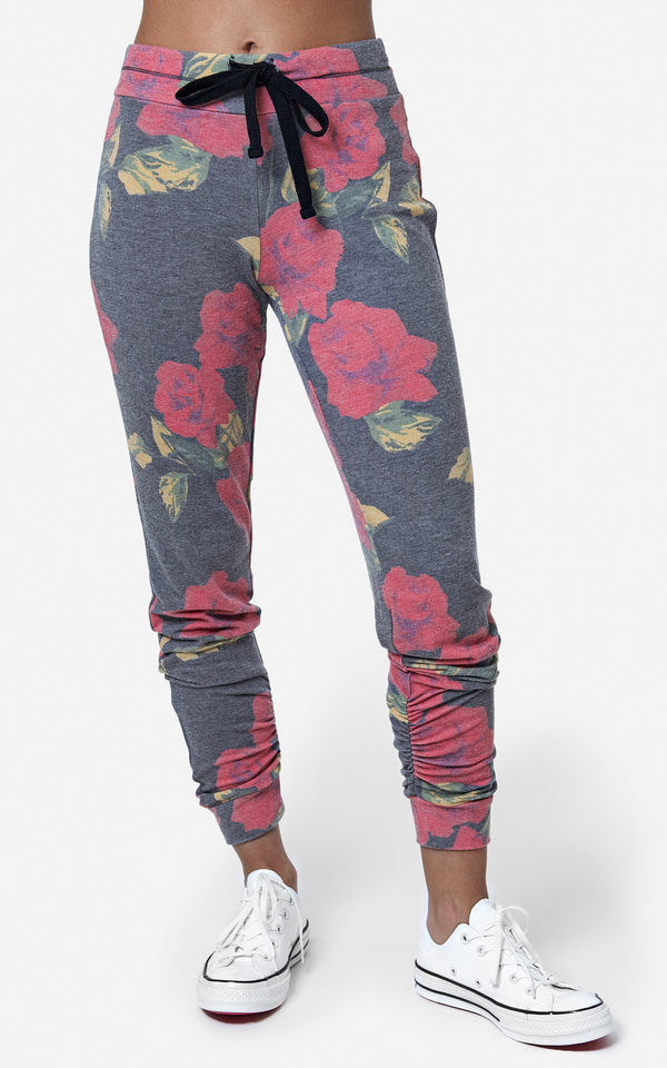 JOGGER IN BRUSHED RAMBLIN' ROSE PRINT