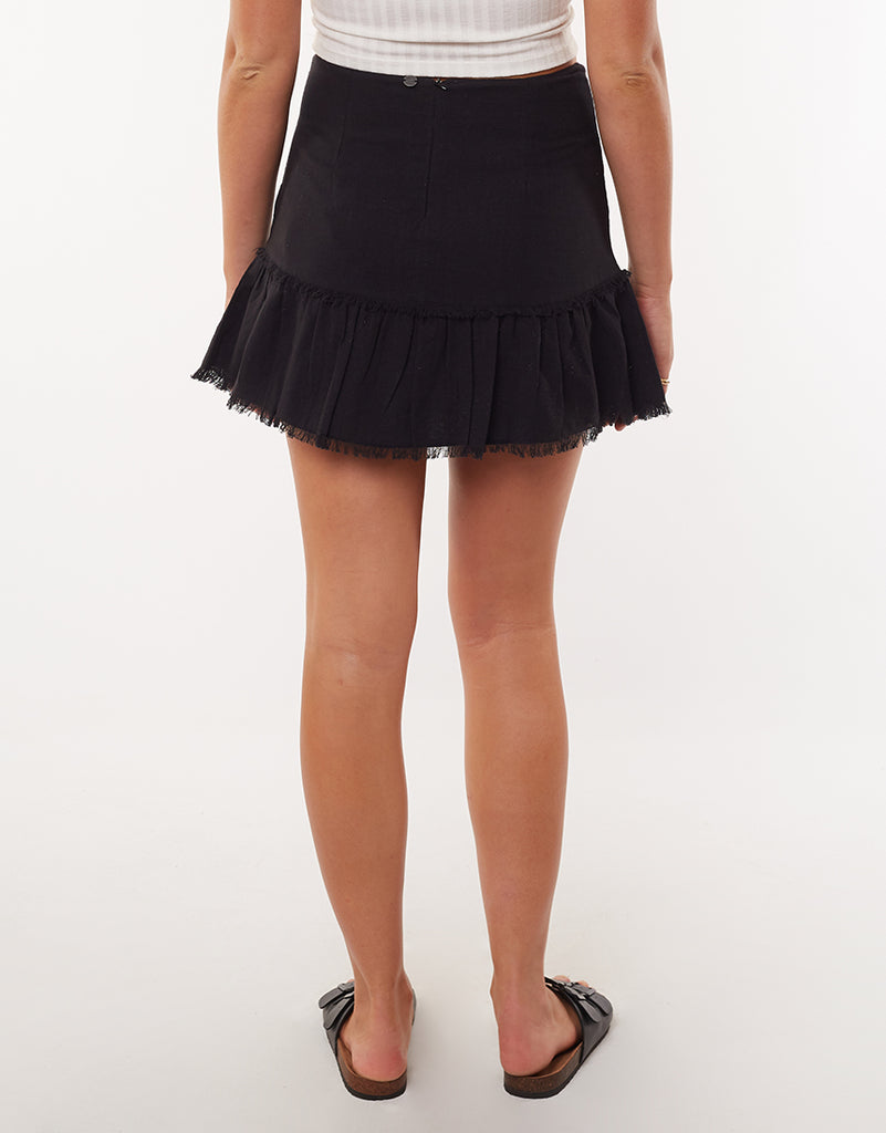BEACHY MINI SKIRT - BLACK