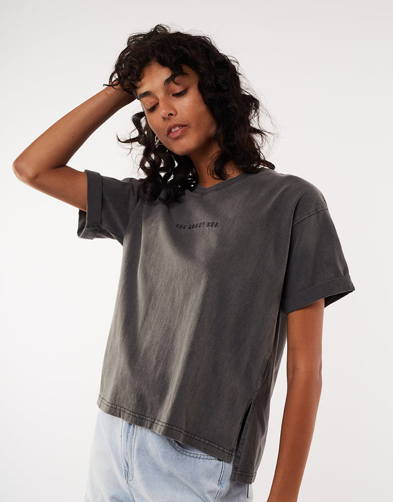 ALL ABOUT EVE WASHED TEE - FADED BLACK