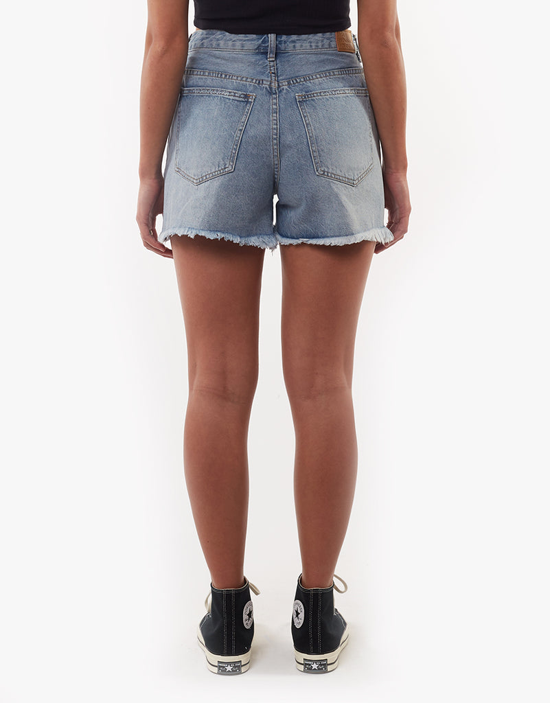 QUINN DENIM SHORT - SKY BLUE
