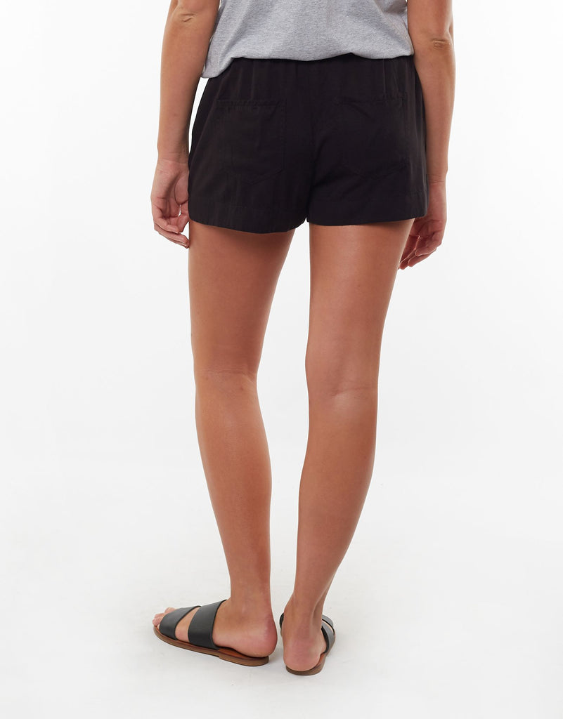Relaxed Day Short Black