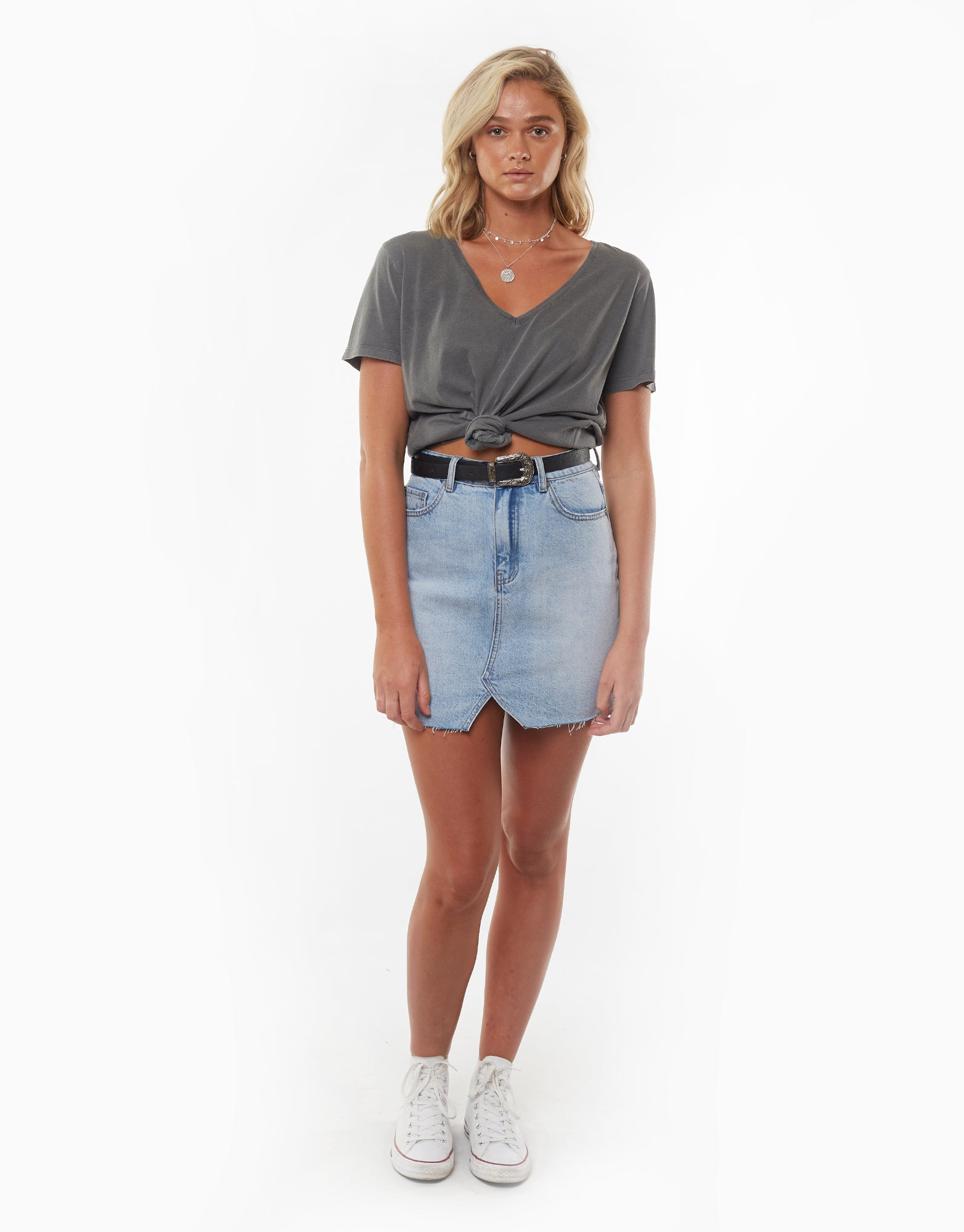 All About Eve Clothing V NECK TIE CROP TEE - CHARCOAL