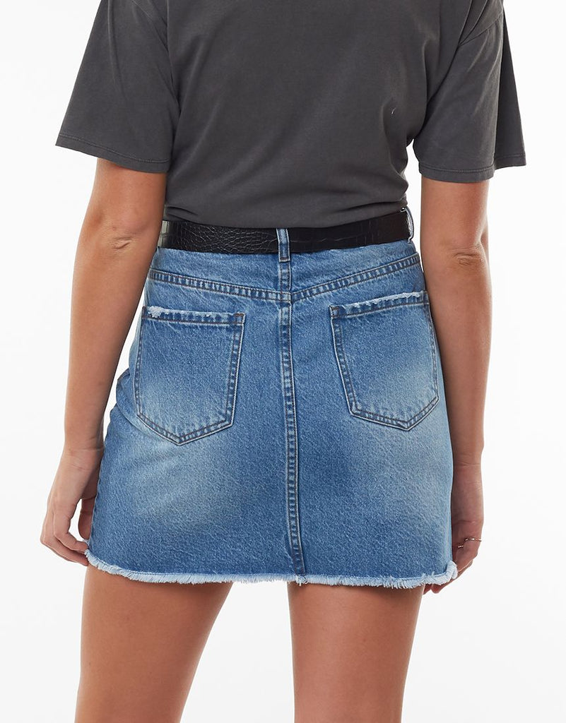 OLSEN DENIM SKIRT - DUSTY BLUE