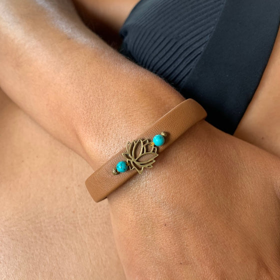 Lotus bracelet brass on leather with turquoise