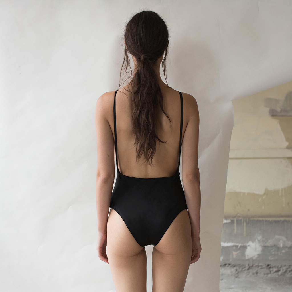 DULCE ARMENTA SWIMWEAR BACKLESS NEGRO