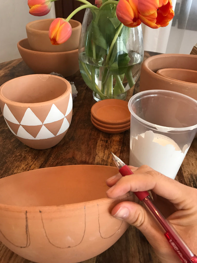 DIY: Painted Ceramic Planters by Turquoise and Tobacco
