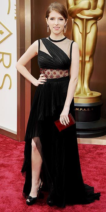 Anna Kendrick also went with black
