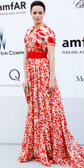 Berenice Bejo looked gorgeous in mixed prints at the amfAR event courtesy of Giambattista Valli