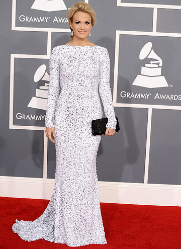 Carrie Underwood shimmers in silver at the 2012 Grammy Awards