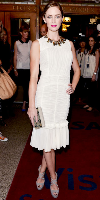 Emily Blunt attended the premiere of Arthur Newman in a white Tory Burch ruched dress and statement necklace