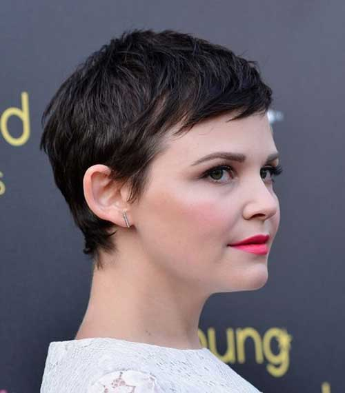 So did Ginnifer Goodwin's dark brown and slightly messy pixie.