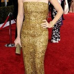 Jennifer Garner looked stunning in gold Oscar de la Renta
