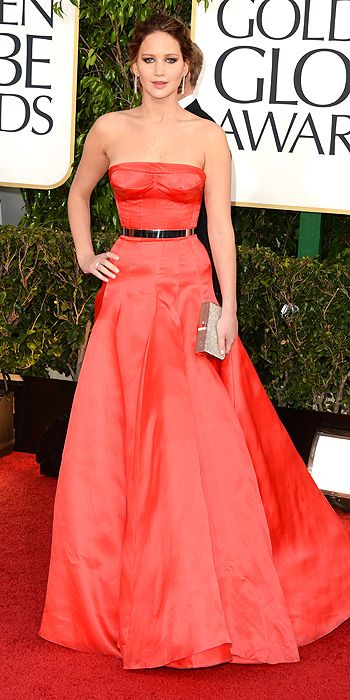 Jennifer Lawrence cinched her waist in red