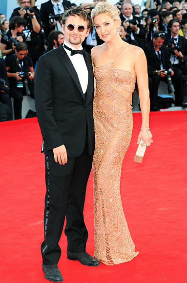 Kate Hudson premiered The Reluctant Fundamentalist in an embroidered Atelier Versace gown