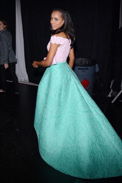 Kerry showed of the back of her gorgeous Oscar de la Renta gown backstage at the 44th Annual NAACP Awards