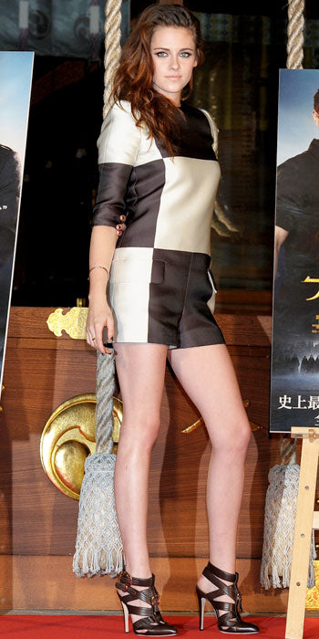 Kristen Stewart showed off her legs in Tokyo while sporting a Louis Vuitton romper
