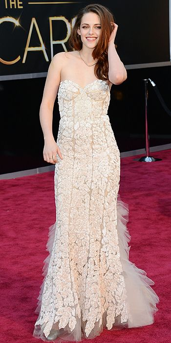Kristen Stewart went for an embroidered Reem Acra gown with a tulle train