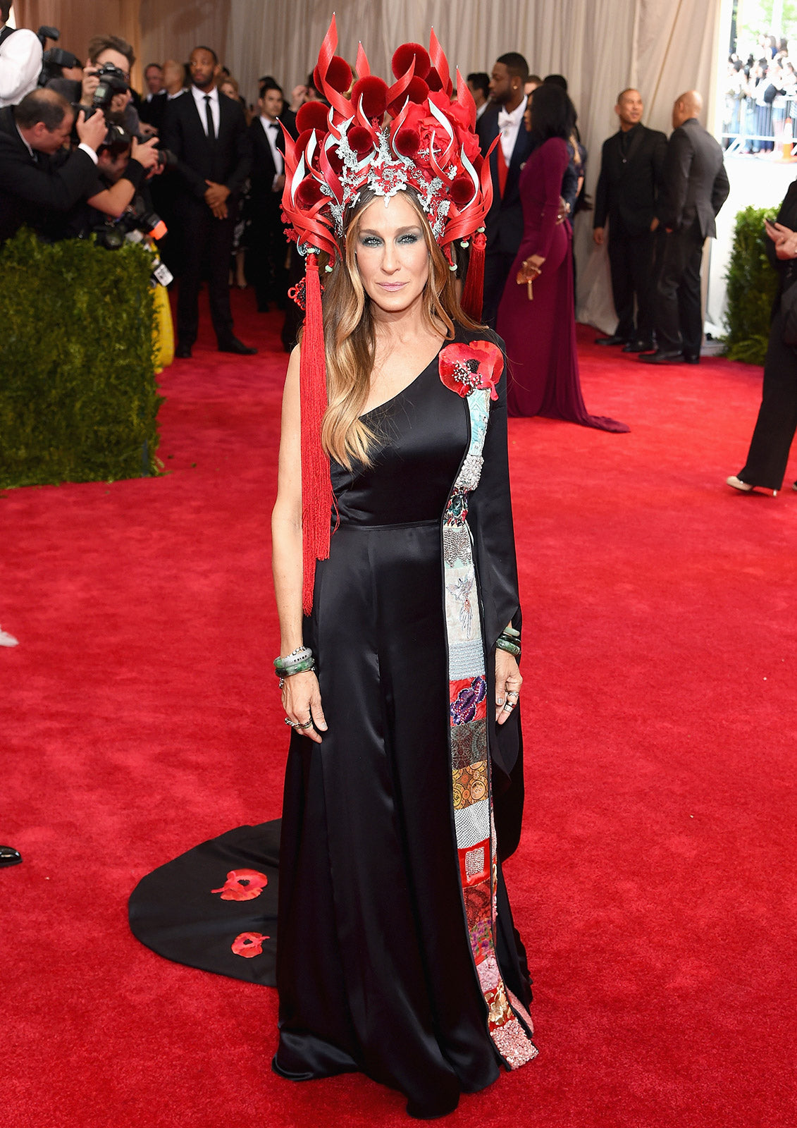 Sarah Jessica Parker steals the show again this year in another elaborate Philip Treacy hat.