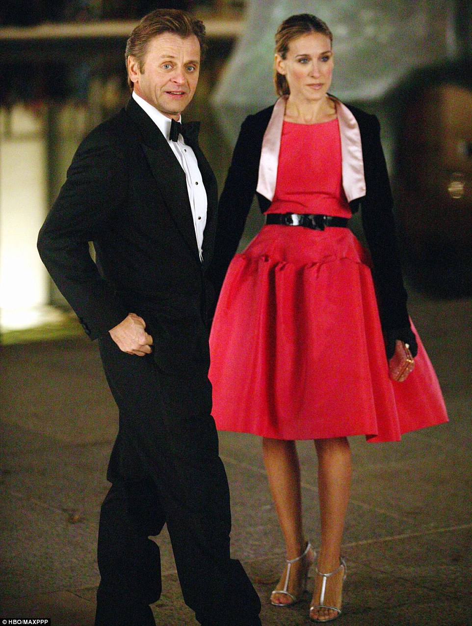 Sarah Jessica Parker in iconic pink Oscar de la Renta dress featured in Sex and the City.