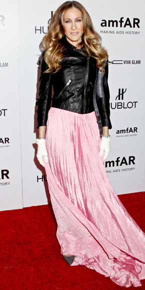 Sarah Jessica Parker pairs her all pink Oscar de la Renta dress with a leather Theyskens' Theory jacket