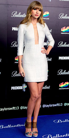Taylor Swift stuns in silver
