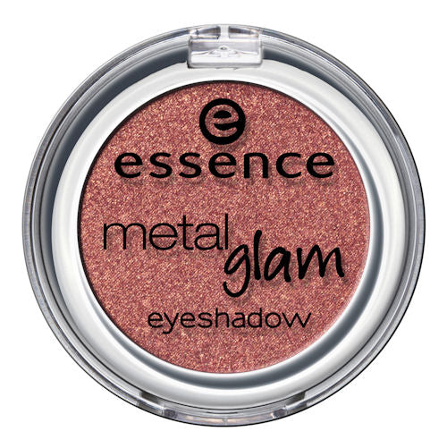 For some daytime glamour, our go-to is this metallic shadow in frosted apple.