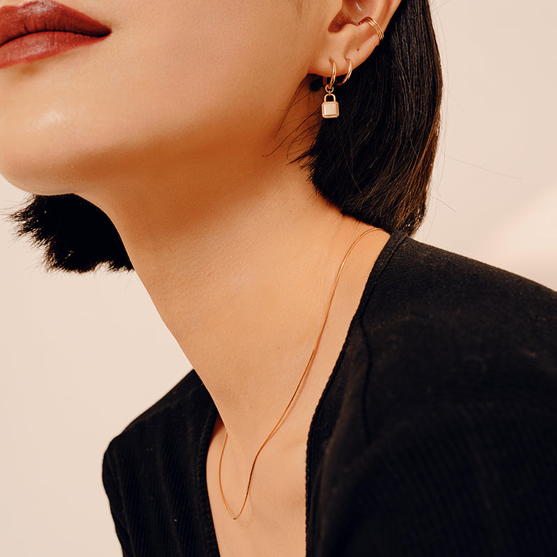 Imperfection Circle Chain Ring (White Gold)