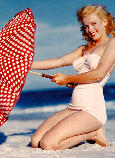 Andre de Dienes, Marilyn Monroe & The Glamorous White Swimsuit