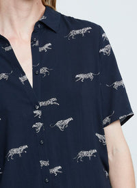 ZOE KARSSEN - LEOPARDS ALL OVER RELAXED FIT SHORT SLEEVE SHIRT