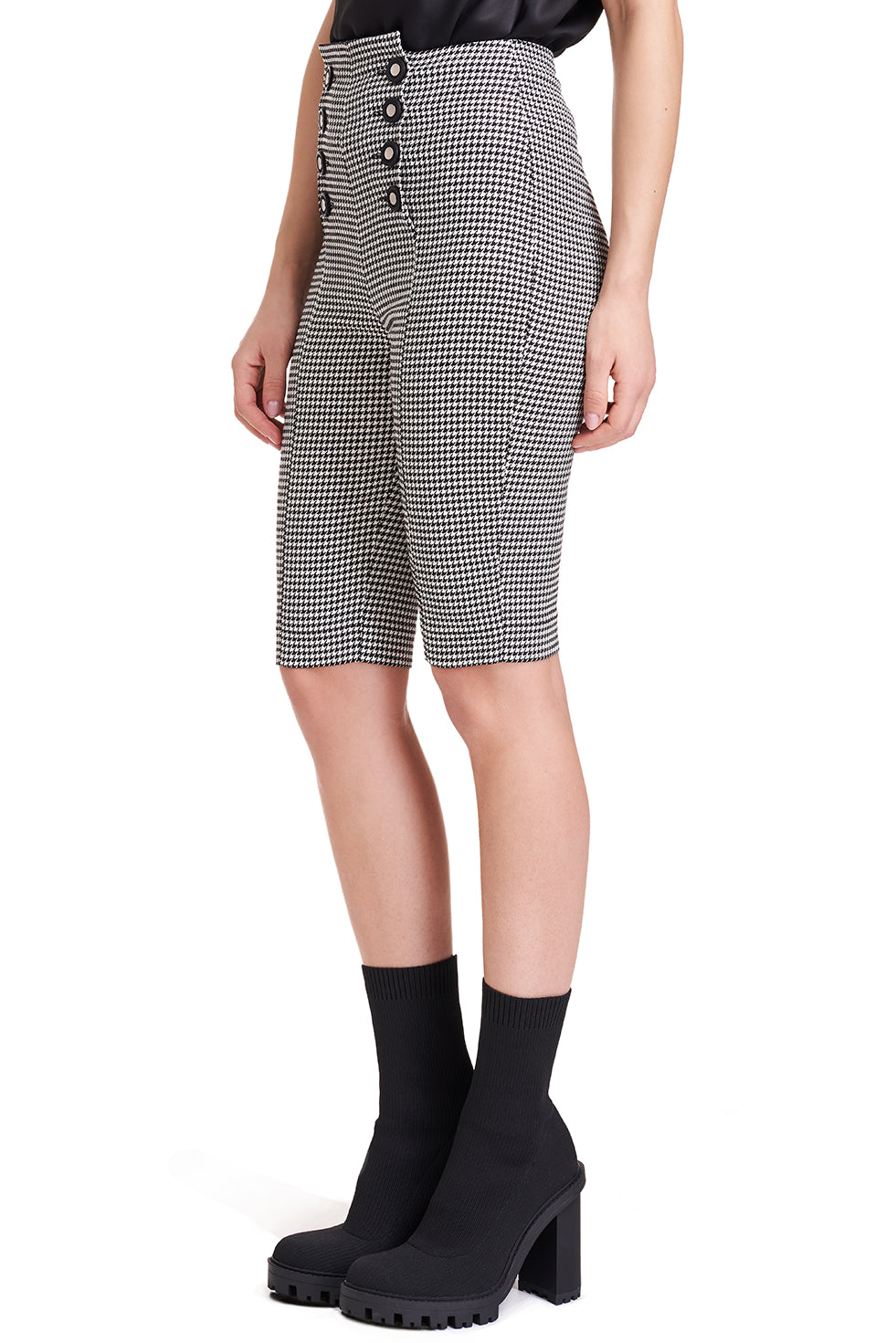 West Knee Length Checked Pants