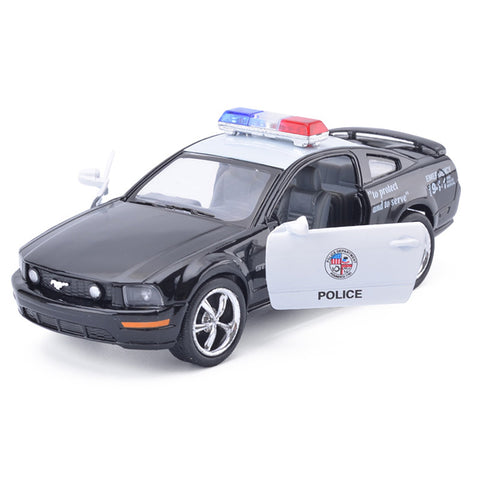 Brand New 1:38 Ford 2006 Mustang GT Police